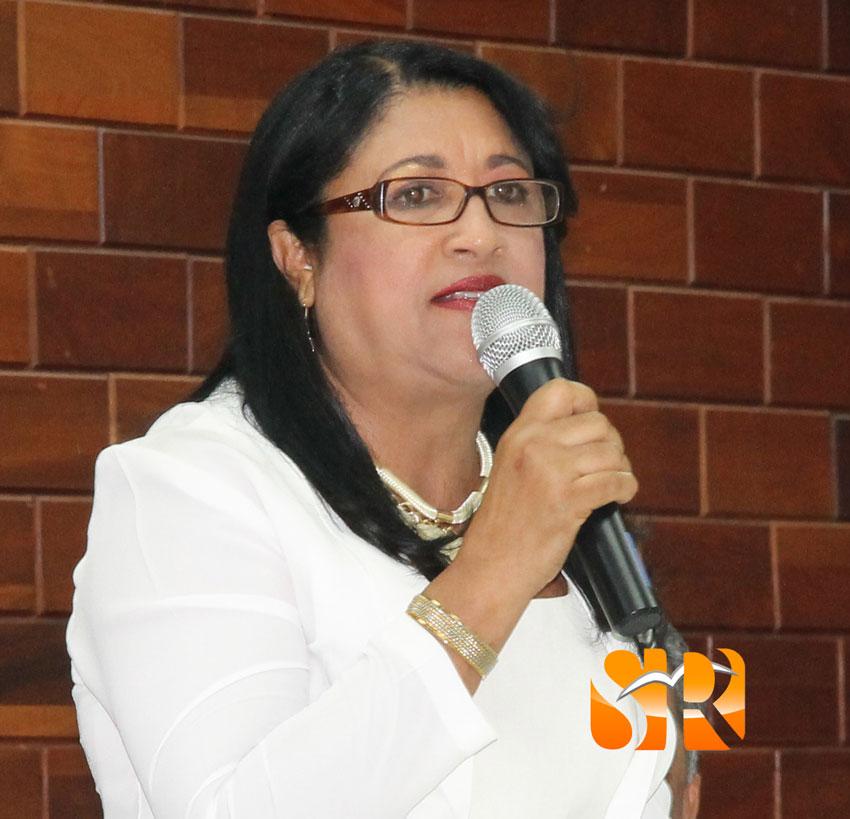 Melania Roa - Presidenta de la sala.
